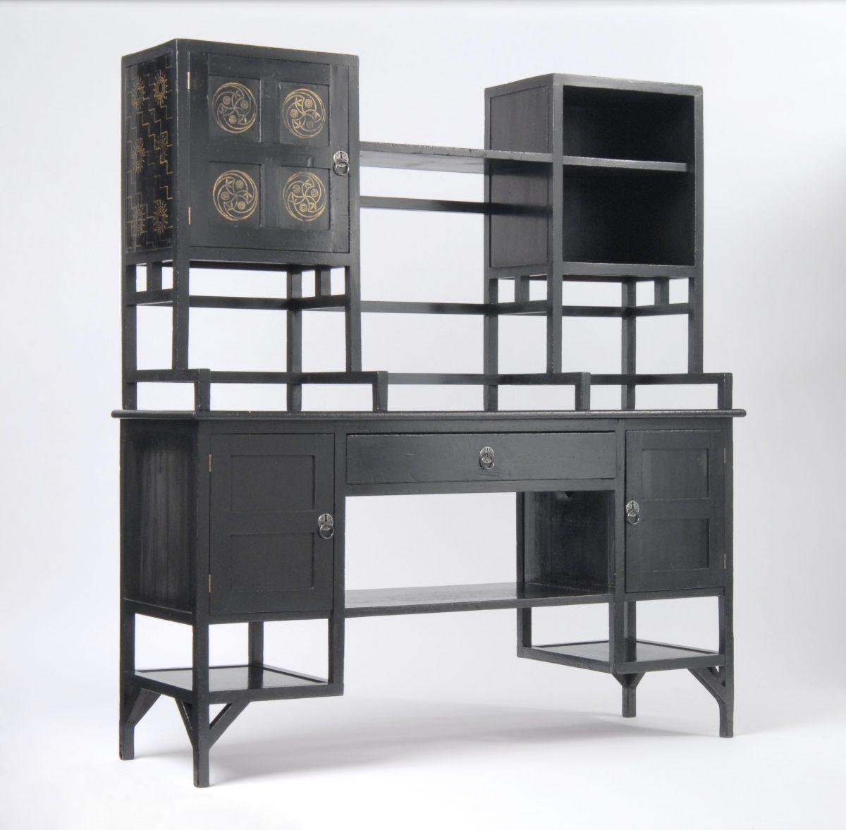 Sideboard, um 1867, Herst.: William Watt, London, Foto: Die Neue Sammlung — The Design Museum, Erworben mit Unterstützung der Ernst von Siemens Kunststiftung