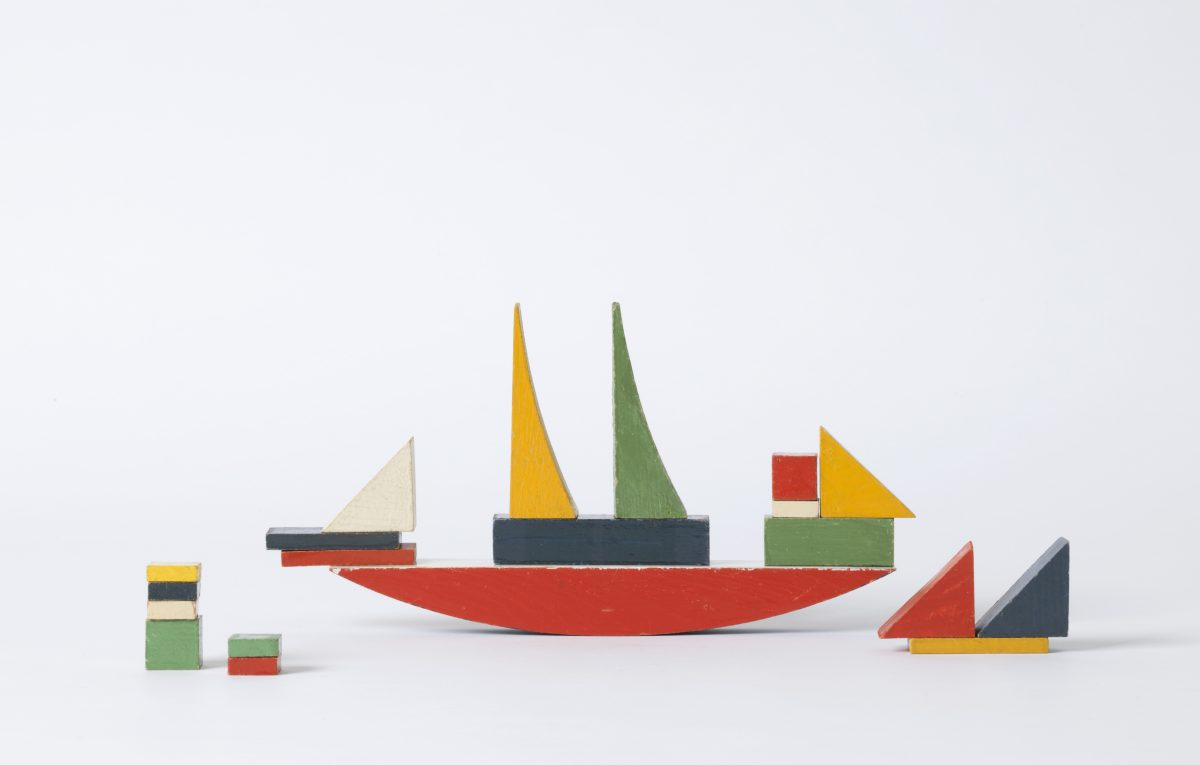 Schiffbauspiel, 1923, Holz, lackiert, Herst.: Staatliches Bauhaus, Weimar, Foto: Die Neue Sammlung — The Design Museum