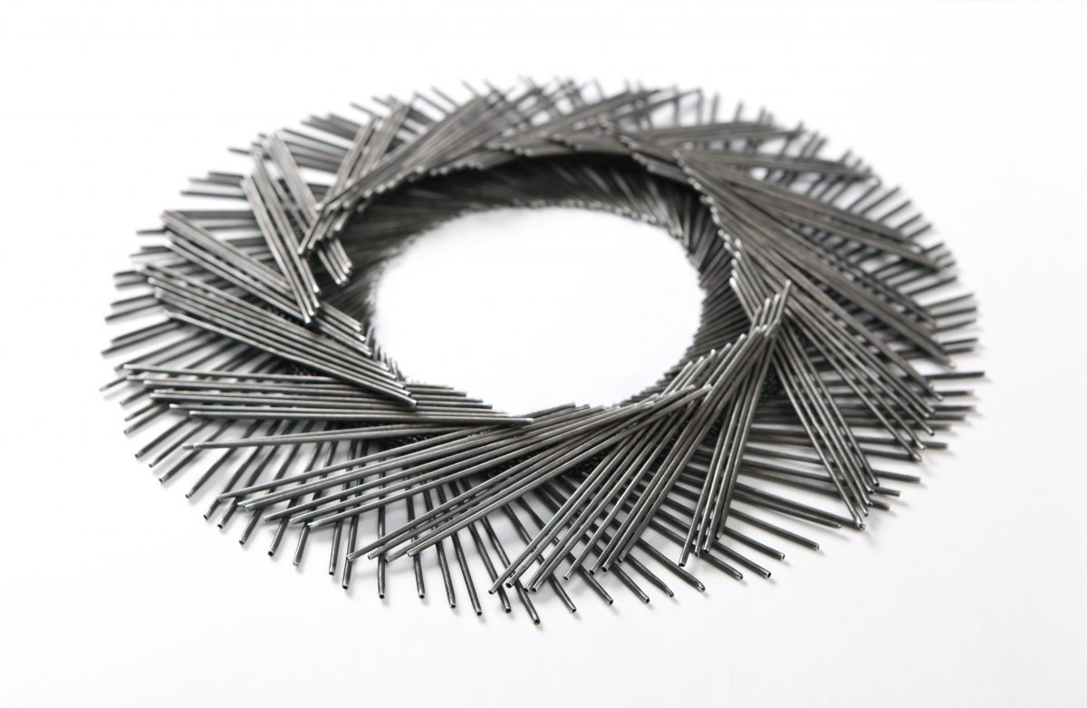 Tone Vigeland, necklace, 1985/2000, silver, dm. 34,5 cm, Die Neue Sammlung – Permanent loan from Danner Foundation, Munich, Photo: Die Neue Sammlung (Alexander Laurenzo)
