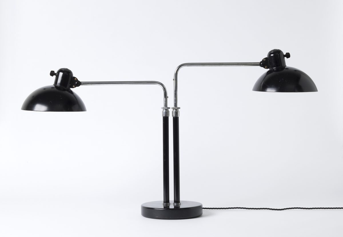 Christian Dell (1893–1974) Doppelpultleuchte Nr. 6580/Double desk lamp No. 6580, 1934, Metall, z. T. schwarz lackiert/Metal, partly black lacquered, 63×96 cm, Hersteller/Producer: Gebr. Kaiser & Co, Neheim-Hüsten, Ankauf/Purchase, 2005, Inv.-Nr. 134/2005, Foto: Die Neue Sammlung (A.Laurenzo)