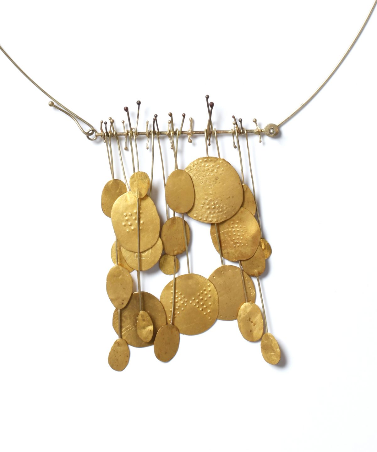 Hermann Jünger, necklace, 1957, gold, pendant: h. 8,8 cm, w. 5,5 cm, Die Neue Sammlung – Permanent loan from Danner Foundation, Munich, Photo: Die Neue Sammlung (Alexander Laurenzo)