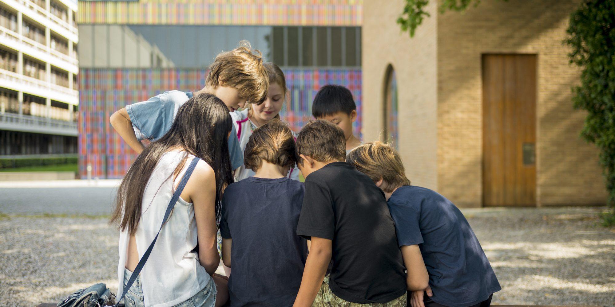 Sommerferienprogramm der Pinakothek der Moderne, Foto: Falk Kagelmacher