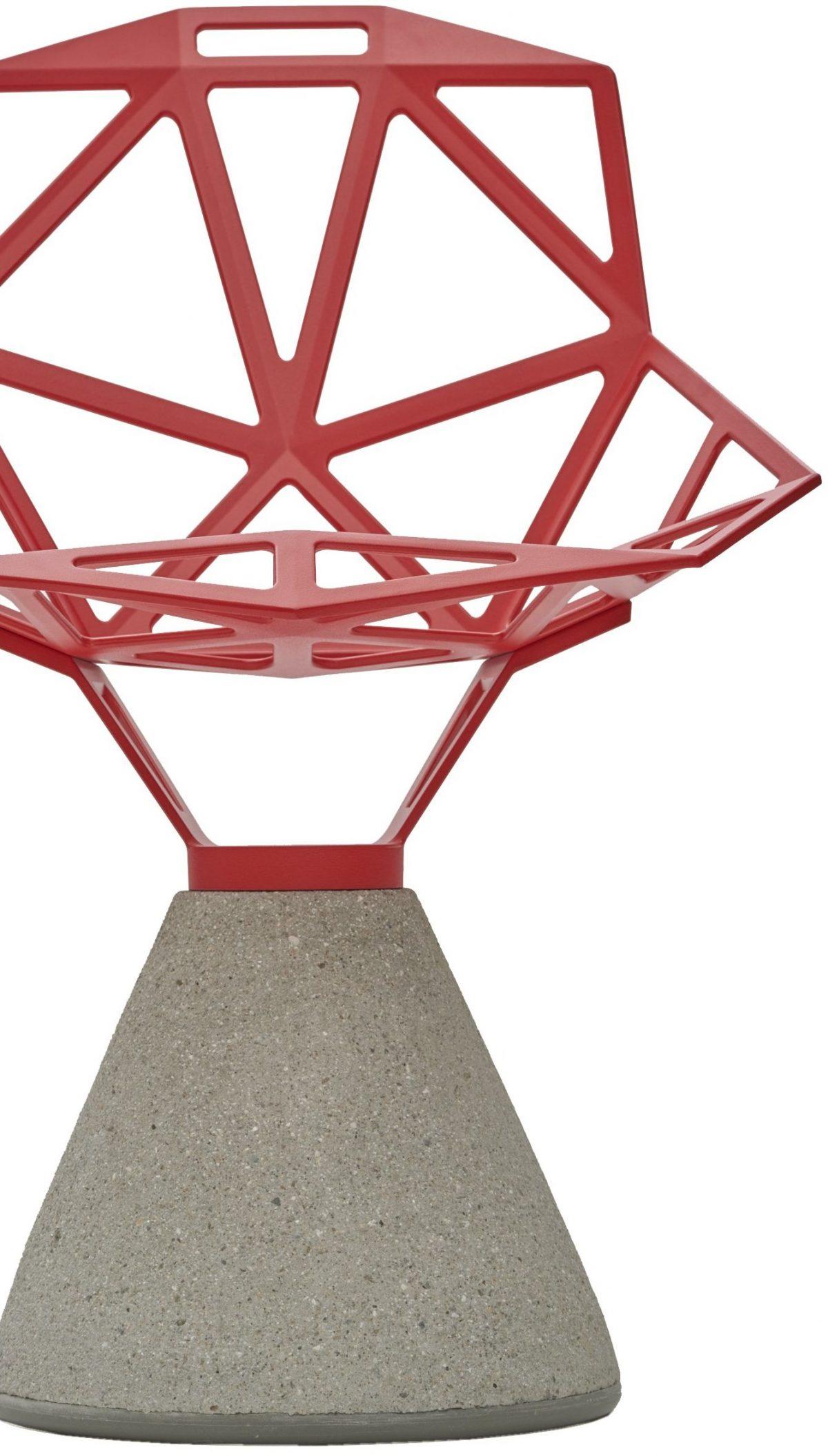 Grcic, Konstantin chair_ONE 2004 Metall (Aluminium), gegossen, rot lackiert, Beton, grau Herst.: Magis srl., Italien Foto: Die Neue Sammlung — The Design Museum