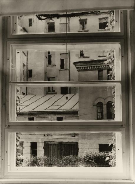 Aenne Biermann, Blick aus meinem Atelierfenster, vor 1930 Foto: Sibylle Forster Stiftung Ann und Jürgen Wilde, Pinakothek der Moderne, Bayerische Staatsgemäldesammlungen, München
