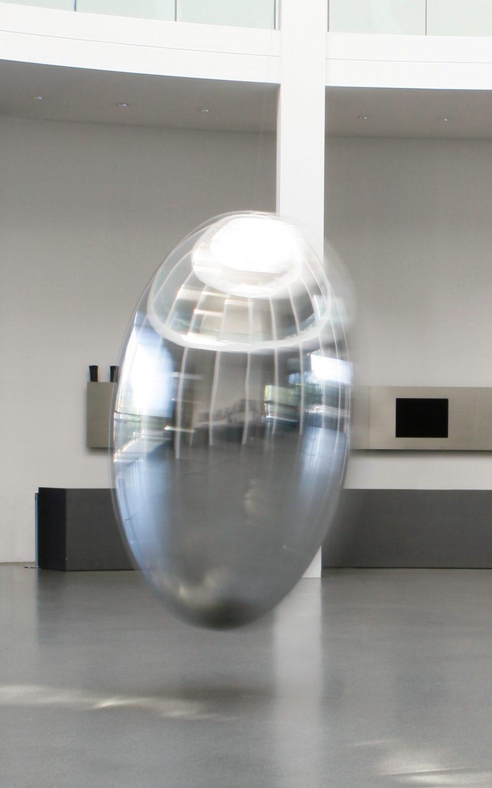 Ingo Maurer, Pendulum, 2019, Die Neue Sammlung – The Design Museum, Pinakothek der Moderne Foto: Patrizia Hamm