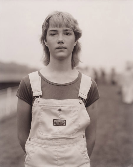 "Judith Joy Ross, Untitled, from the series ""Portraits at the Vietnam Veterans Memorial, Washington, D.C."", 1983 1984, Bromide silver gelatin print on light-sensitive printing-out paper, gold-toned On permanent loan from Siemens AG since 2003 © Bavarian State Painting Collections"