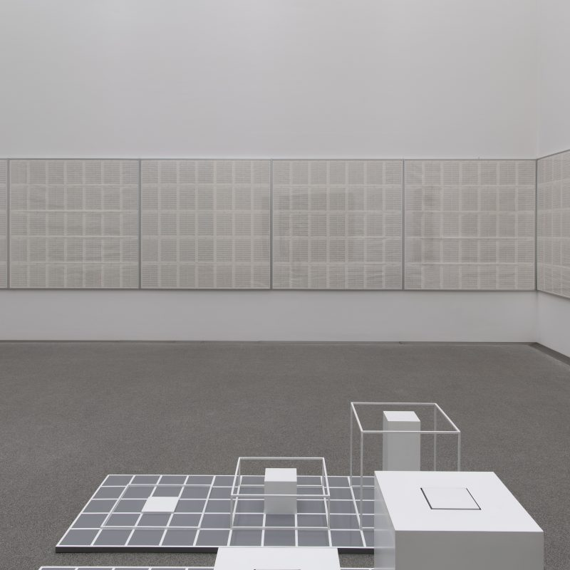 Raumaufnahme der Werke von Hanne Darboven und Sol LeWitt © Bayerische Staatsgemäldesammlungen, Johannes Haslinger