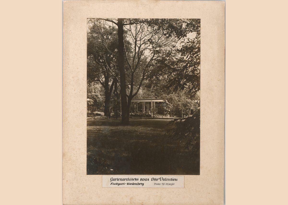 Pavilion building with garden of the landscape architect Otto Valentien (Stuttgart-Riedenberg, around 1932) © Willi Moegle